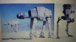 Recherché : Je recherche des figurines et vaisseaux de Stars War