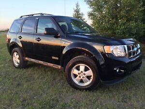 CLEAN 08 FORD ESCAPE XLT
