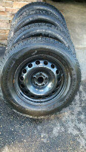 4 Michelin 215/70R16 Winter Tires,incl rims and hubcaps