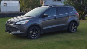 2013 Ford Escape **REDUCED**WINTER TIRES/RIMS*