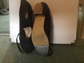 Katz canvas low heel tap shoe