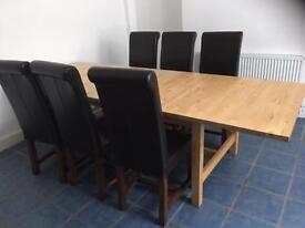 DINING TABLE AND 6 CHAIRS. Free delivery!!!