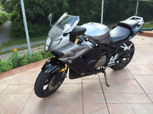 Hyosung GT250R MINT Condition CLEAN TITLE