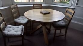 Oak blond dining table and 4 chairs