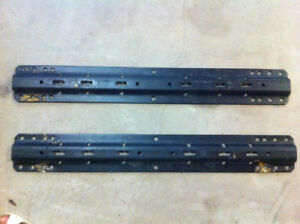 Fifth Wheel universal rails