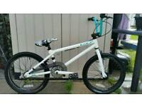 GT FLY BMX BIKE COST OVER £200 WHEN NEW SOE GRAB A BARGAIN!!!