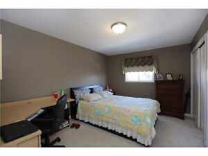 SUMMER DRIVE -- STUDENT ROOMS! FULLY FURNISHED!