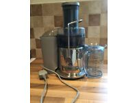 Sage by blumenthal juicer, perfect working juicer, only used three times.