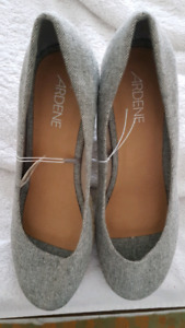 Clearout - Ardene grey with cork heel