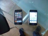 2 x apple ipod 8 GB
