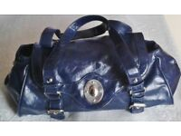 LADIES FASHION HANDBAG/SHOULDER BAG, Expandable at Sides, BNWOT.