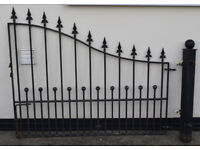 Iron gates with posts - see description for size etc