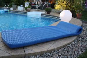 Matelat flottant pour piscine en foam finition vinyle
