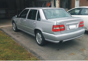 Reduced price.. . 1998 Volvo S70 Sedan