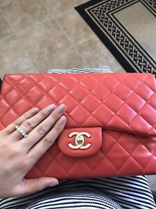 Chanel jumbo coral red authentic 100%