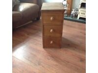 Pine Chest of Drawers/Bedside Cabinet