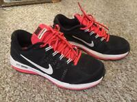Womens Nike dual fusion running trainers size UK 3