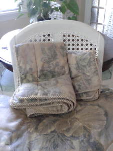 King Size Comforter & Shams