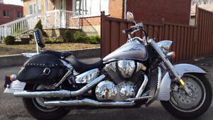 Moto Honda VTX 2008. 514-903-7497