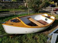 10ft fibre glass boat / outbourd