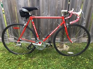 Vélo de route Marinoni 56cm (négociable)