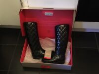 Hunter quilted boots size 6