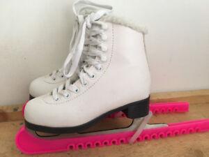 Girls figure skates like new !!