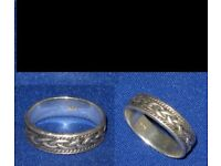 lovely old collectible vintage Celtic silver ring