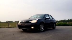 2010 Ford Focus SE. Low km.