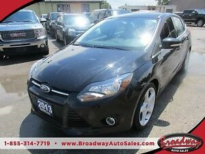 2013 Ford Focus LOADED TITANIUM - HATCH EDITION 5 PASSENGER 2.0L