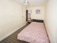 ONLY 1 ROOM LEFT IN STUNNING PROPERTY IN RUGBY AVENUE, CLOSE TO QUEENS UNIVERSITY BELFAST!