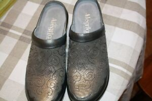 Alegria Shoes Extremely Comfortable Brand new!