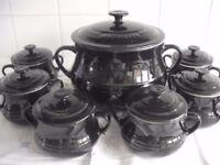 Le Creuset Large Soup / Bean Pot & 6 small soup bowls with lids.