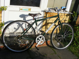 "MANS HYBRID 700c WHEEL BIKE HARDLY USED 18"" FRAME NO RUST GREAT WORKING ORDER"