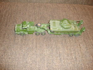 Dinky Supertoys Tank Transporter and Tank 660/651