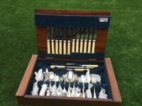 Arthur Price boxed canteen of cutlery
