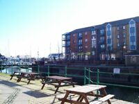 1 bedroom flat to rent in Swansea's Marina area. Excellent location and stunning views.