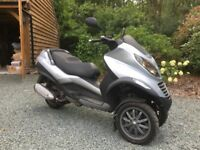 Hardly Used Piaggio MP3 250 Silver Very Low Miles Current MOT 10months remaining Guildford, Surrey