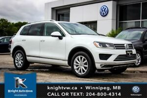 2017 Volkswagen Touareg AWD 0.99% Financing Available OACw/ Sunr