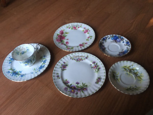 Royal Albert bone china Flower of the Month series -selectpieces