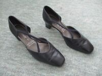 Dark Navy Elmdale Leather Shoes
