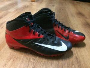 Size 9.5 Nike Vapor Pro football cleats