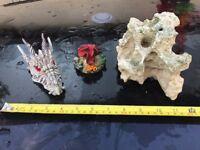 Fish Tank / Aquarium Ornaments / Rock Flower Skull Crystals