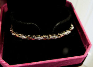 MagnifiqueTennis bracelet en or 10k Diamants XOXO