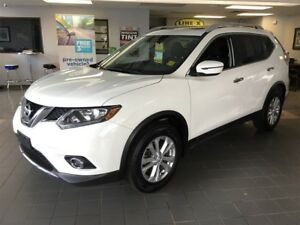 2016 Nissan Rogue SV, Automatic, Panoramic Sunroof, AWD