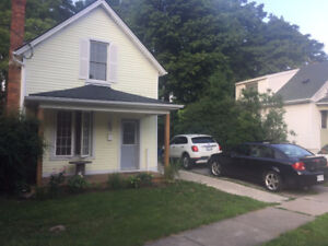 Extremely Convenient St. Catharines 2.5 bedroom, 1 bathroom Home