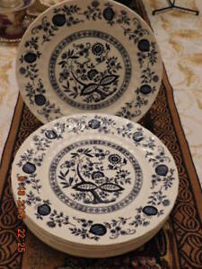 "SET OF 4 ROYAL WESSEX 10"" DINNER PLATES - SALE PENDING"