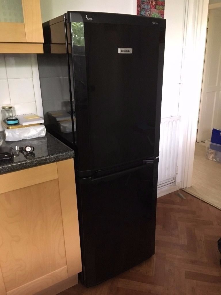 Beco frige blackin Lincoln, LincolnshireGumtree - Beco fridge freezer in black. Frost free A class Can deliver for petrol money