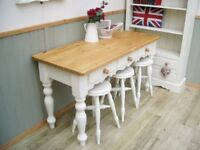 Stunning Pine Breakfast/Side 4ft Table and Stool Set.