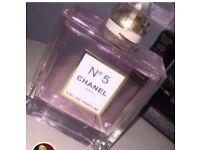 No5 Chanel perfume